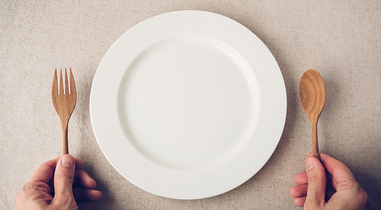 Опасная диета. Что такое сухое голодание и почему это очень вредно?