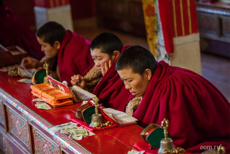 женщина практикует фото тибетских сутр состояния