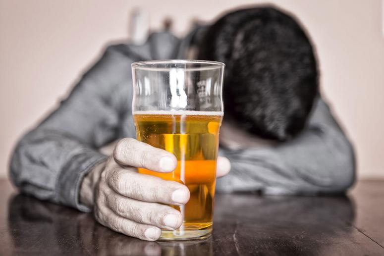 Употребление безалкогольного пива
