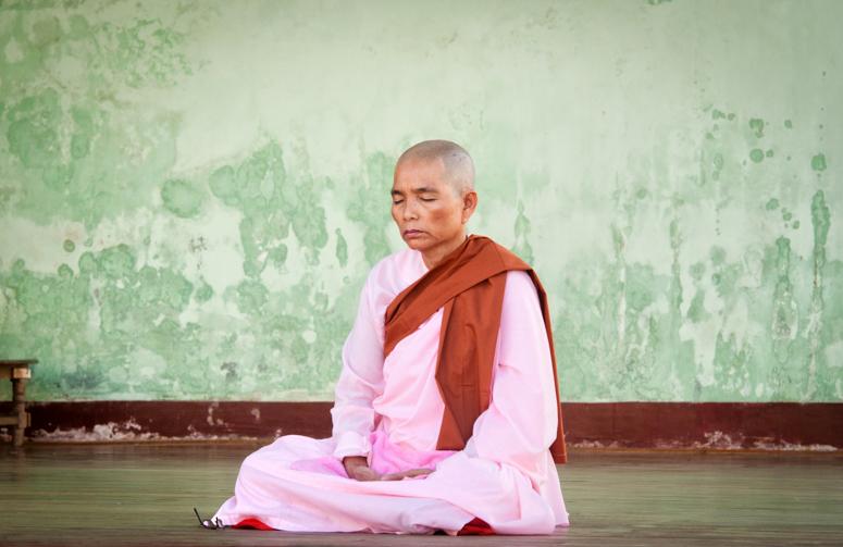 медитация, путь к просветлению, буддизм, монахиня