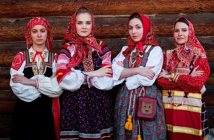 Красивая славянская одежда – защита чести и достоинства