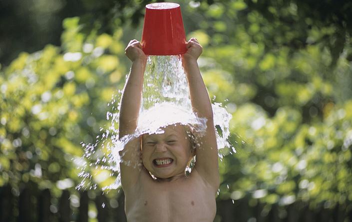 Обливание холодной водой: в чем польза? Как правильно обливаться холодной водой.