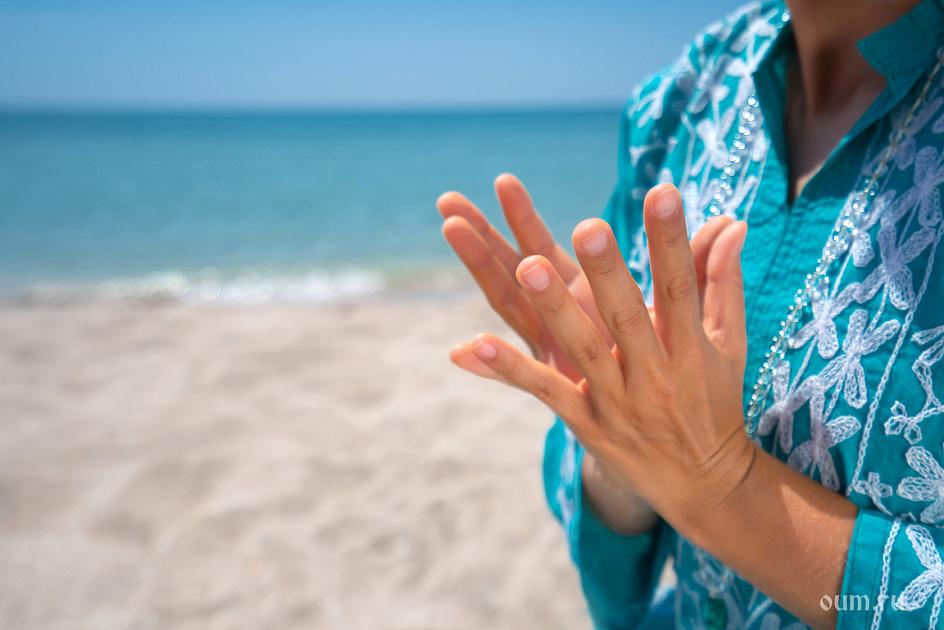 мудры, море, песок, четки