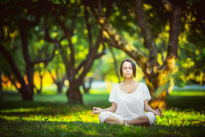 медитация, самосовершенствование, мантра, практика на природе