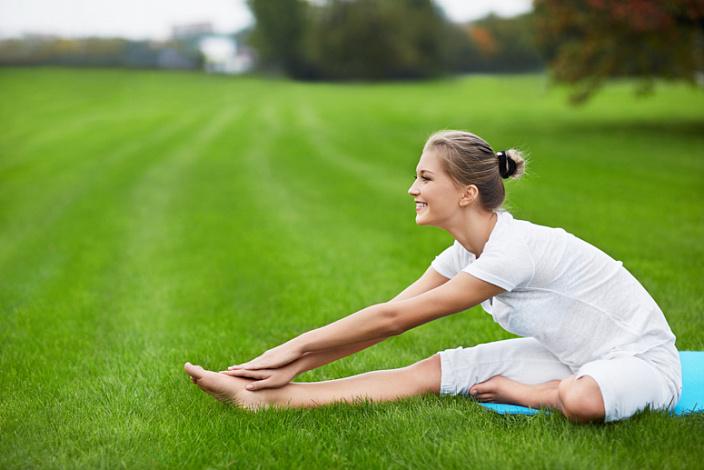 джану ширшасана, йога, практика на природе